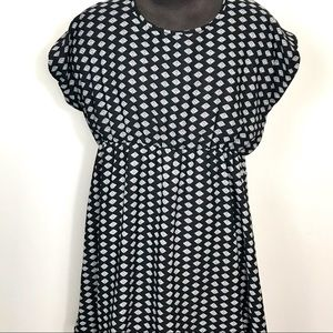 Maurices mid length black and white dress sz 2